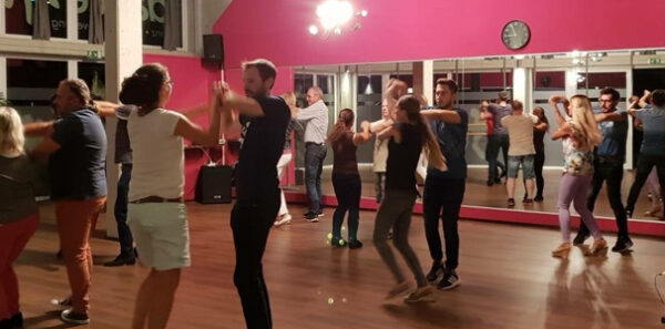 "Disco-Fox ""Crashkurs"" bei Dance4Fun in Uster"